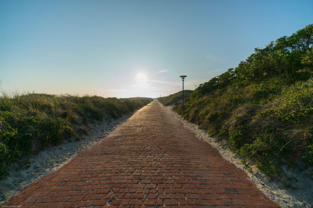 Promenade auf Juist am Morgen
