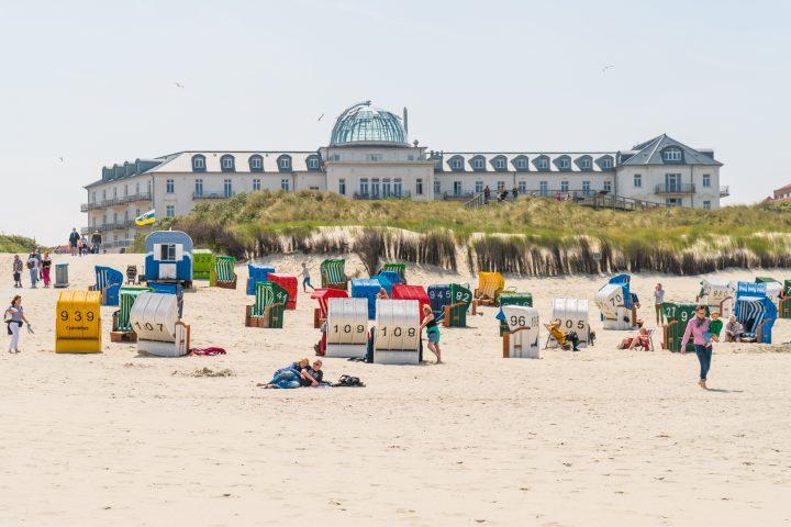 Strandhotel Kurhaus über dem Juister Strand