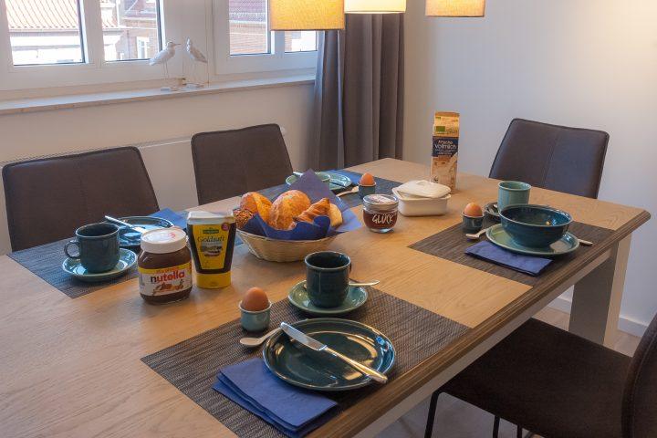 Frühstückstisch im App. 201 Juist-Traum